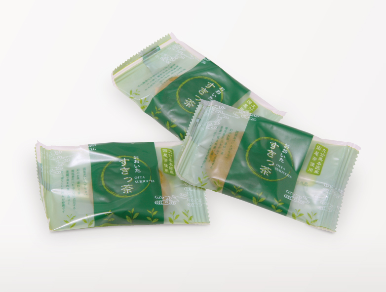 小袋のイメージです。これは共同開発している「ケーキ大使館 クアンカ・ドーネ」で使用されている別のお菓子のものです。 サイズ、素材は同タイプのものを使用