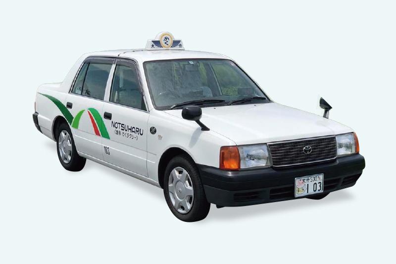 タクシーの車体ラッピングデザイン
